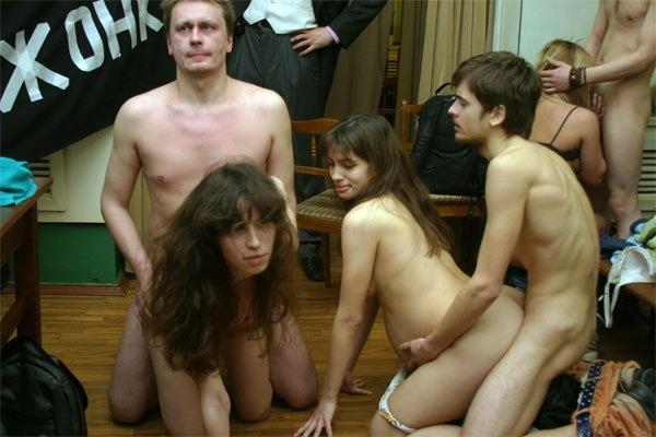 Надя толоконникова снималась в порно