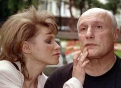 Жена актера Александра Пороховщикова покончила жизнь посредством суицида