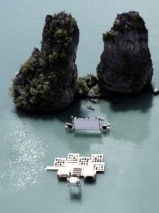 Кинотеатр, находящийся посреди океана