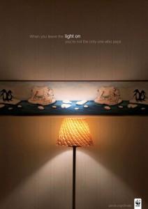 Оставляя включенным свет, платите не только вы.