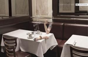 Сигареты курят людей.
