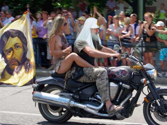 Патриарх Кирилл Байкер. Автопробег в поддержку Русской Православной Церкви в Москве.
