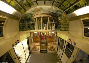 Поезд - Версальский дворец