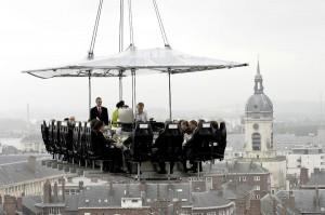 "Ресторан в облаках ""Dinner in the Sky"""
