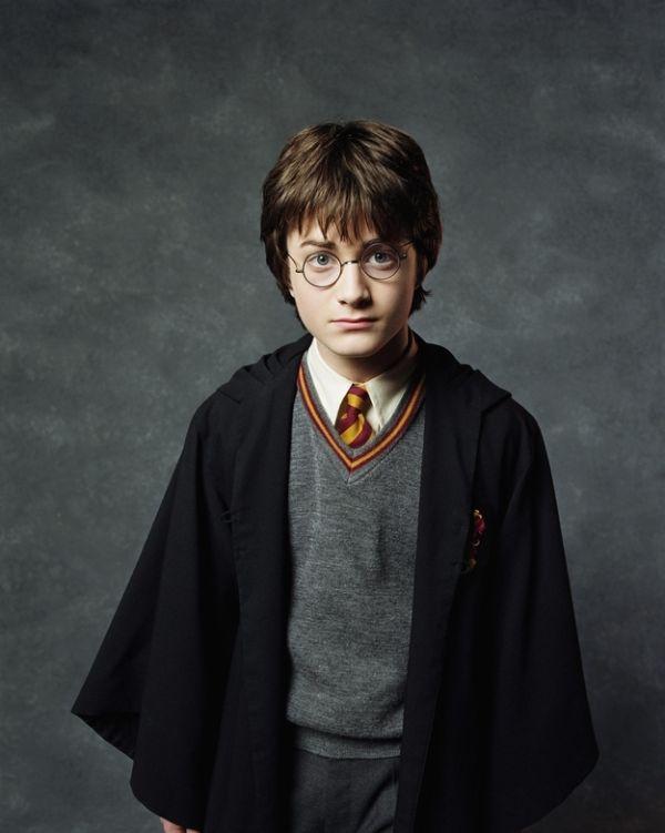 Фото-история взросления Гарри Поттера - Дэниела Редклиффа