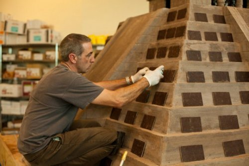 Храм майя соорудили из шоколада