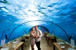Ужин под водой на Мальдивах