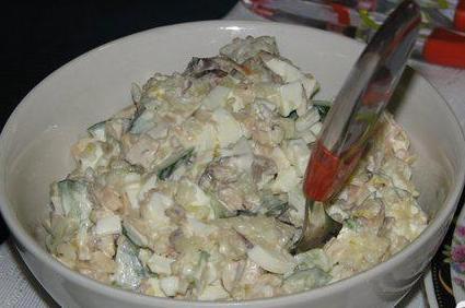4 Салат из кальмаров с рисом
