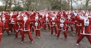 Санта-Клаусы бегали в Лондоне