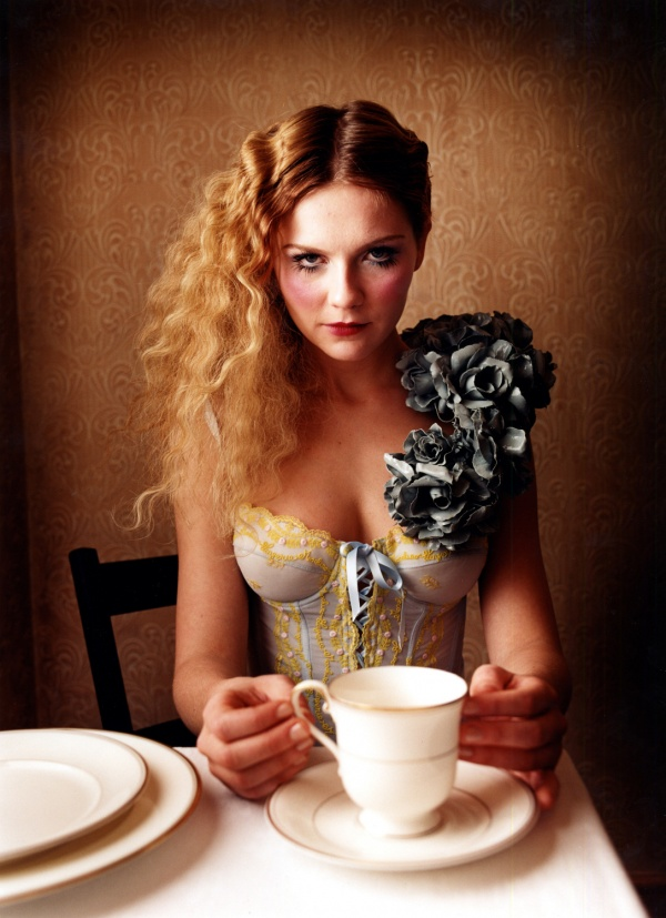 6048505-R3L8T8D-600-david-lachapelle-kirsten-dunst-tea1