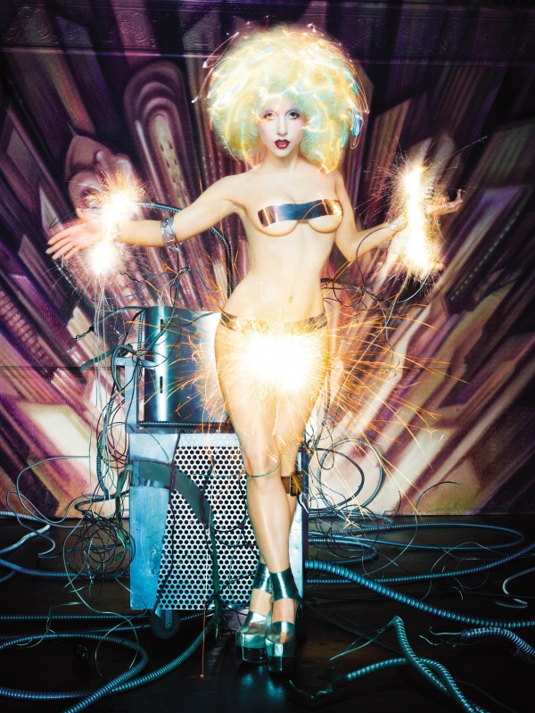6050005-R3L8T8D-600-David_LaChapelle_01