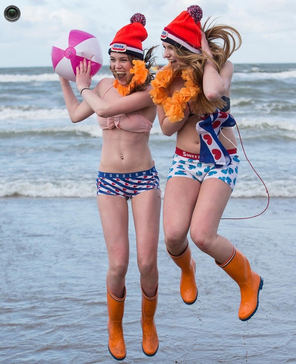Новогоднее купание Unox Nieuwjaarsduik 2013
