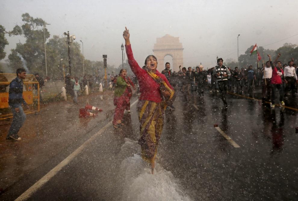 Индусы требуют линчевания насильников