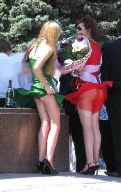 girls-wind-blown-skirts-26