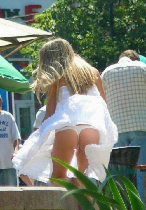 girls-wind-blown-skirts-29