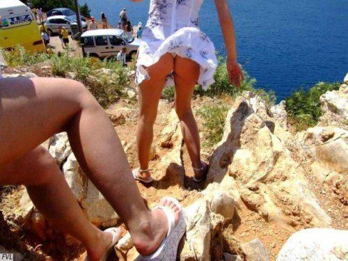girls-wind-blown-skirts-30