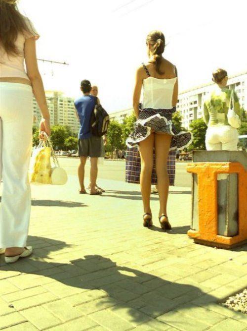 girls-wind-blown-skirts-35