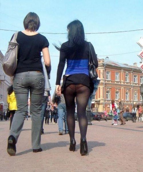 girls-wind-blown-skirts-38