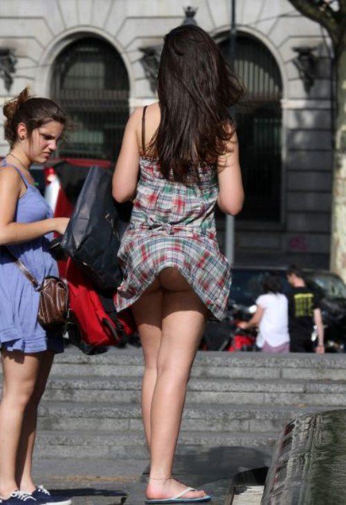 girls-wind-blown-skirts-39