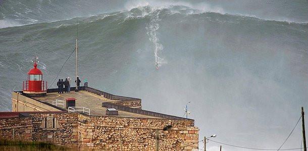 Покорена 30-метровая волна