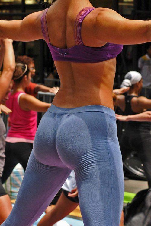 sexy-yoga-pants-42