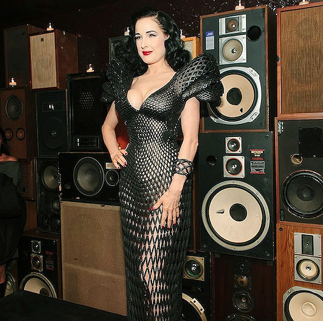 dita-von-teese-3d-dress-8