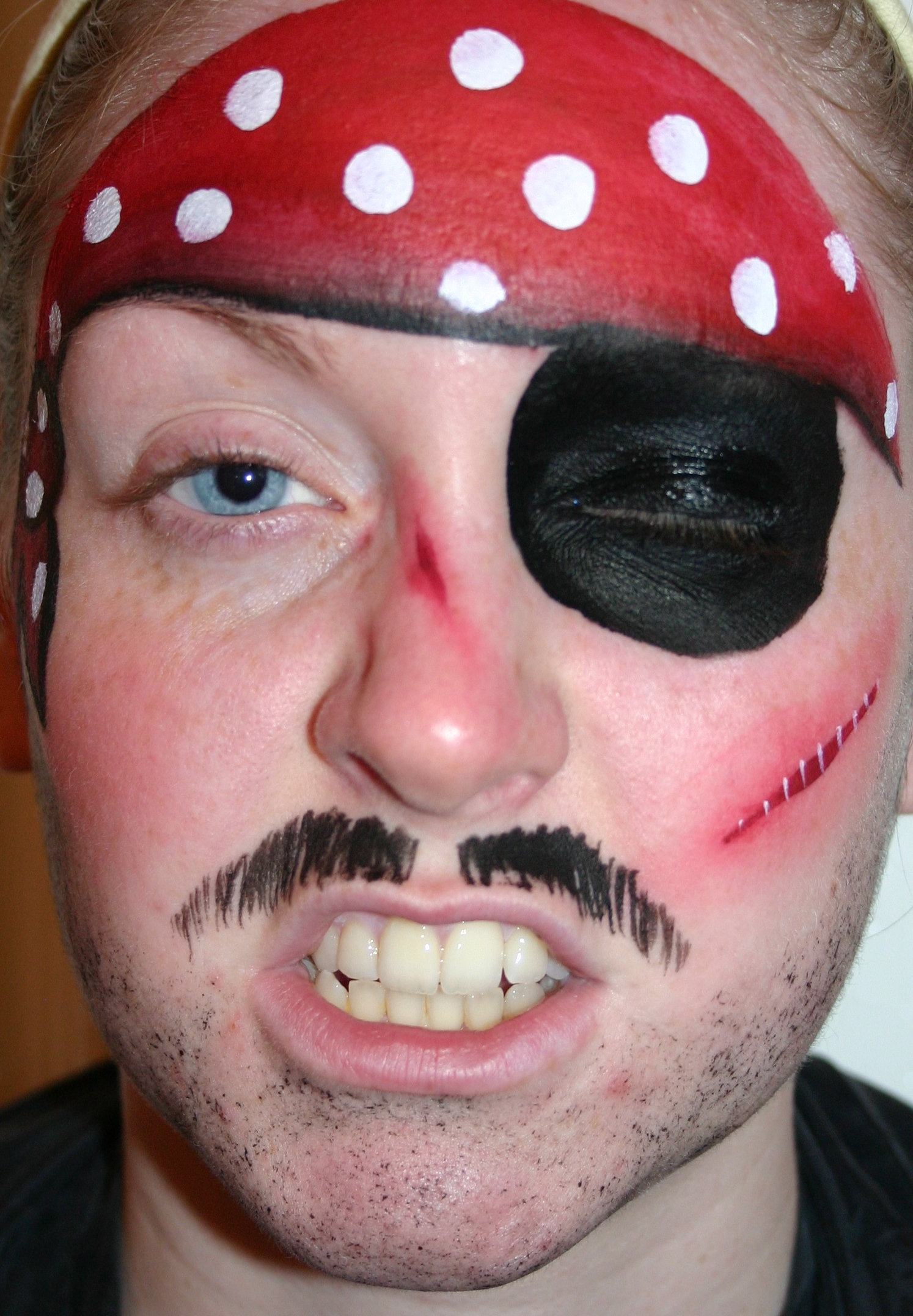 pirate-painted-by-professional-face-painter-daniella-wood