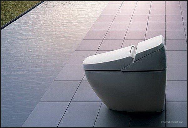 1292442577_regio-smart-toilet-1