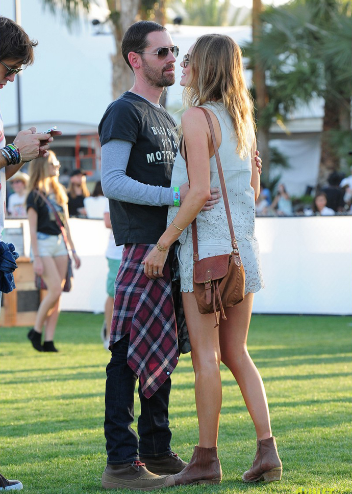 kate-bosworth-michael-polish-coachella-beach-house-couple-01