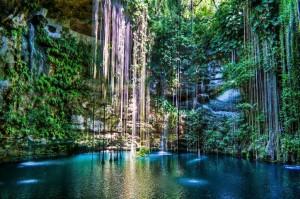 Подземное озеро Ик-Киль, Мексика.