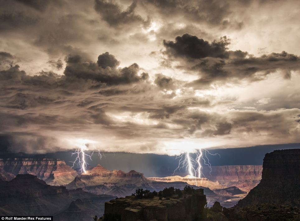 lightning_kanyon_1