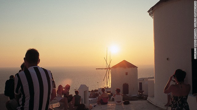 130807122747-11-sunsets-santorini-horizontal-gallery