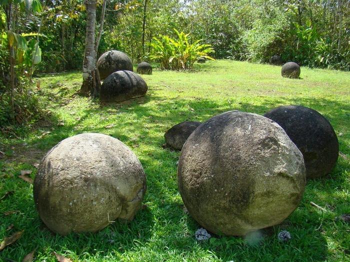 costa-rica-stone-spheres-4