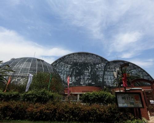 yumenoshima-greenhouse-domes_1