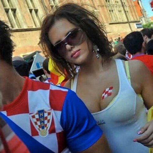 1402565443_futbolnye-bolelschicy-1