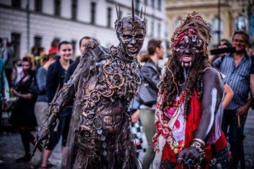 1403801977_kostyum-zombi-13