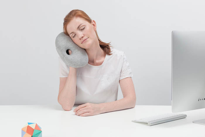 ostrich-pillow-mini-napping-2