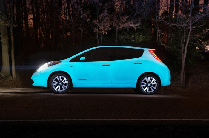 nissan-glow-in-dark-leaf-3