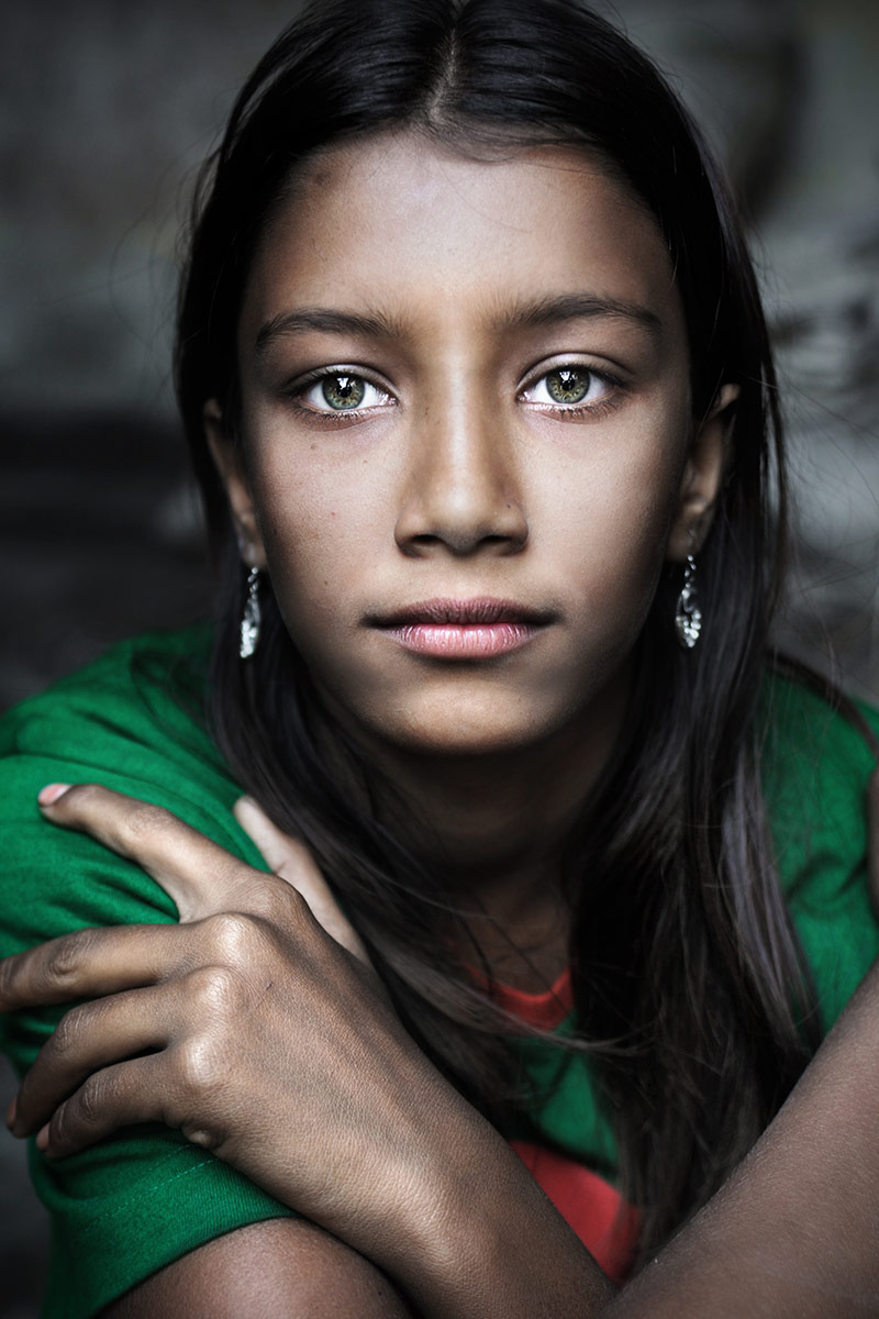 5.-David-Lazar-Girl-with-Green-Eyes-Bangladesh
