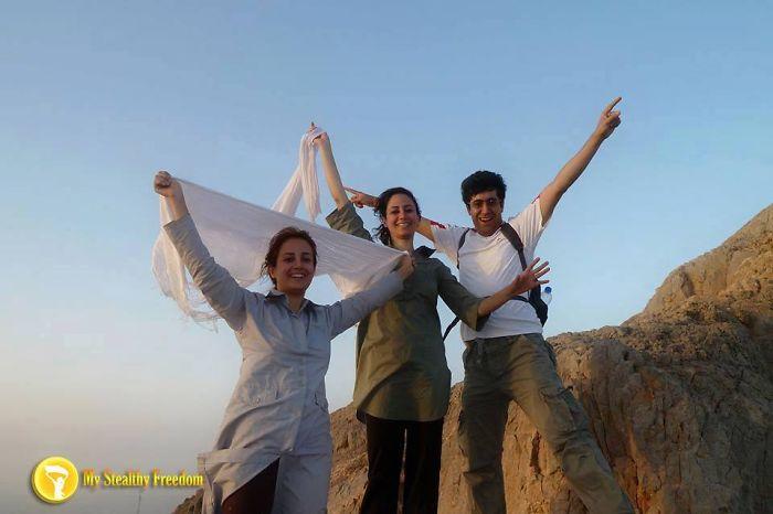 mandatory-hijab-protest-veil-iran-masih-alinejad-stealthy-freedom-13__700