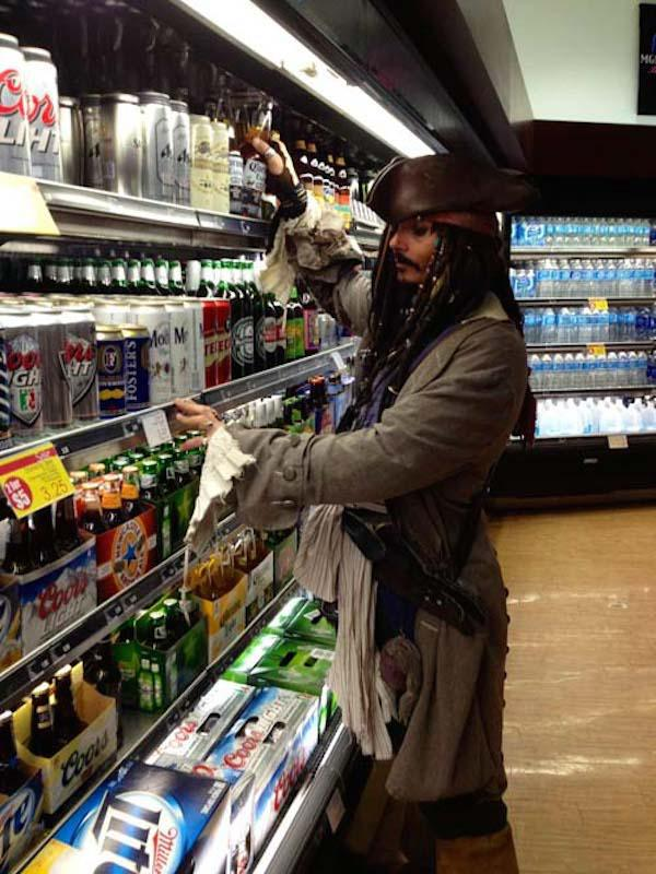 regular-costume-character-captain-jack-sparrow