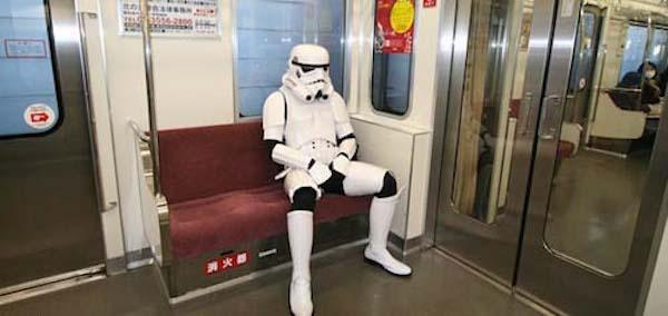 regular-costume-character-stormtrooper-subway