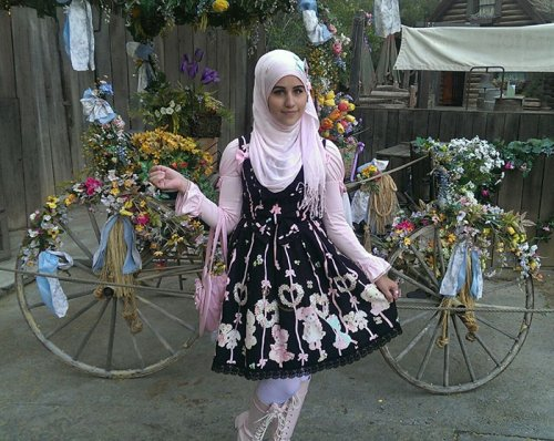 1438101490_musulmanskie-lolity-5
