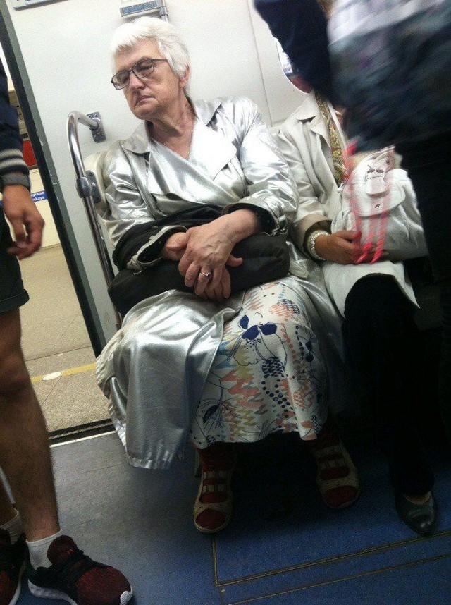 metro-modniki-kartinki-smeshnye-kartinki-fotoprikoly_7347997532