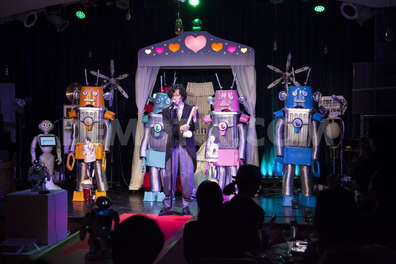 robotov-pozhenili-yaponii-eto-interesno-poznavatelno-kartinki_4076773038