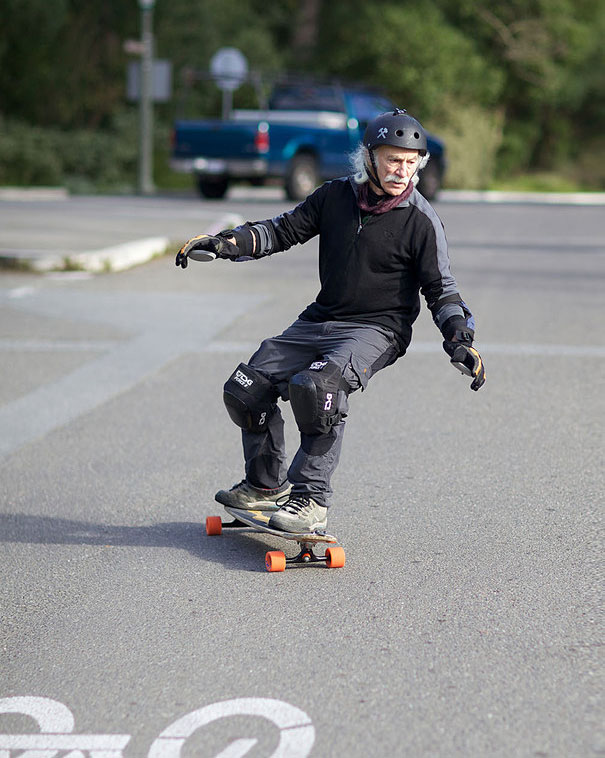 78-year-old-longboarder-lloyd-kahn