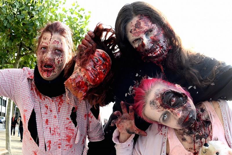 germanii-zombi-parad-eto-interesno-poznavatelno-kartinki_2540705984