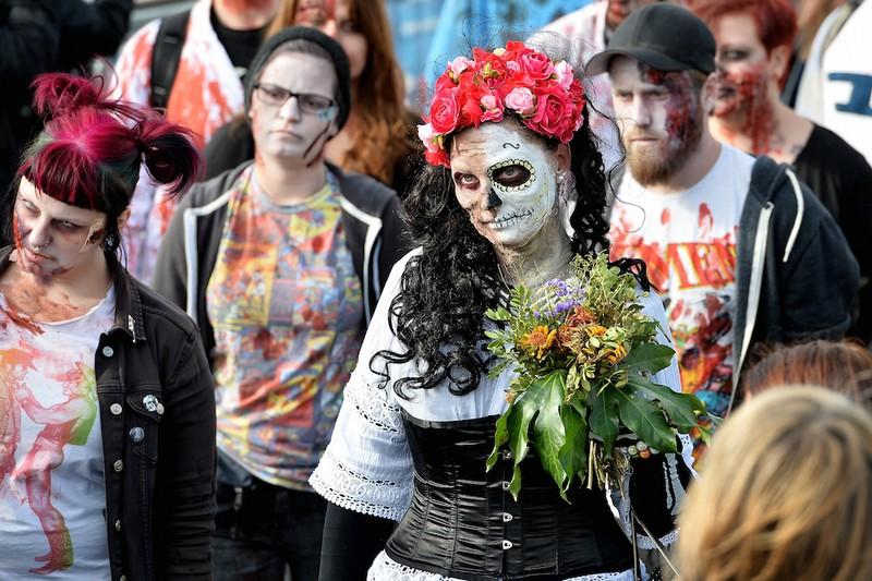 germanii-zombi-parad-eto-interesno-poznavatelno-kartinki_455180328