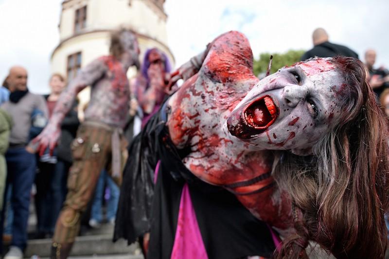 germanii-zombi-parad-eto-interesno-poznavatelno-kartinki_64938108