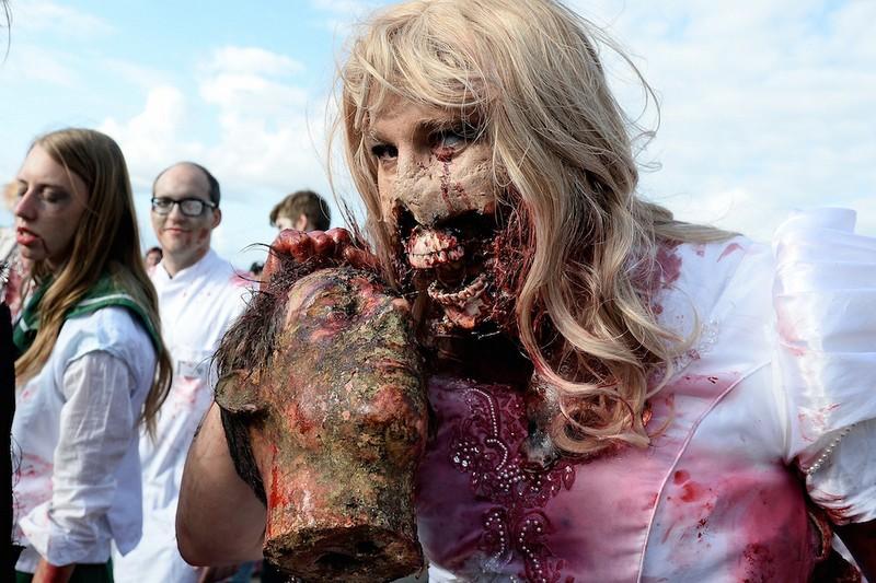 germanii-zombi-parad-eto-interesno-poznavatelno-kartinki_6913302287